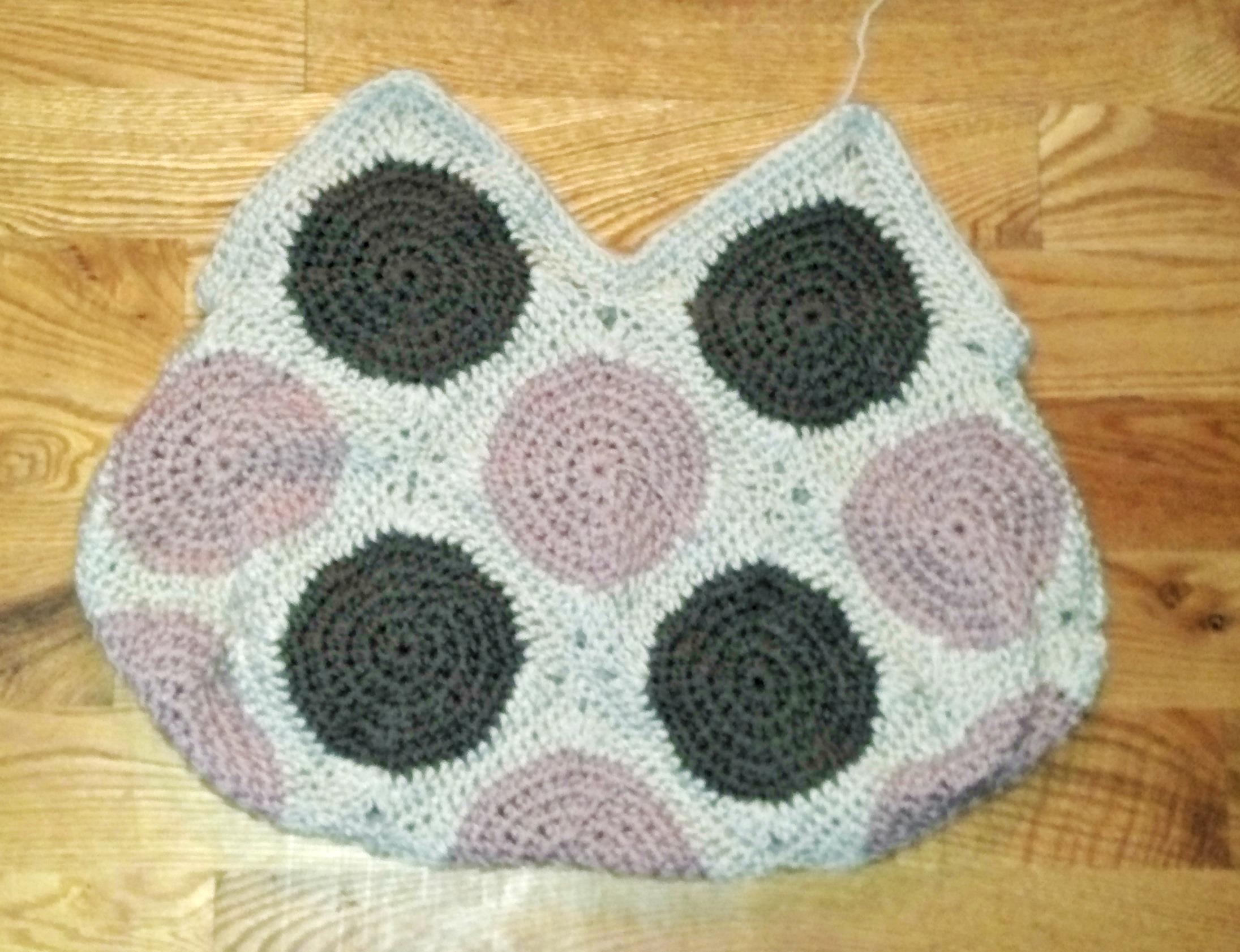 Crochet Granny Square Hobo Bag Pattern : Circles into squares, and then a hobo bag. tolmema