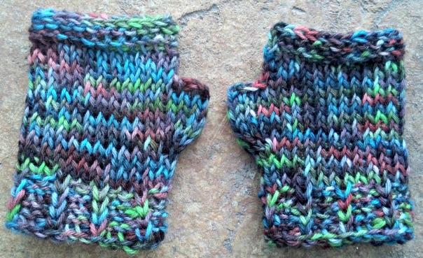 wool-wrist-warmers   tolmema